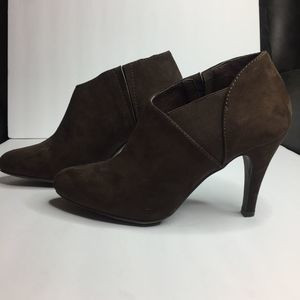 WOMENS REPORT 6.5 DARK BROWN PUMP HEEL BOOTIES